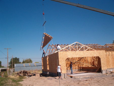 begin sheathing roof